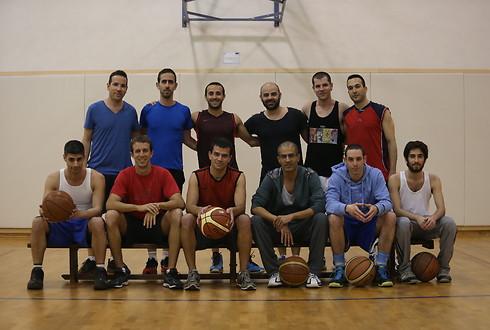 קבוצת כדורסל גאה