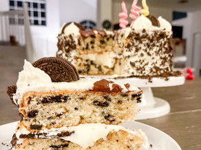 Irresistible Cookie & Cream Oreo Cake with Cream Cheese Frosting
