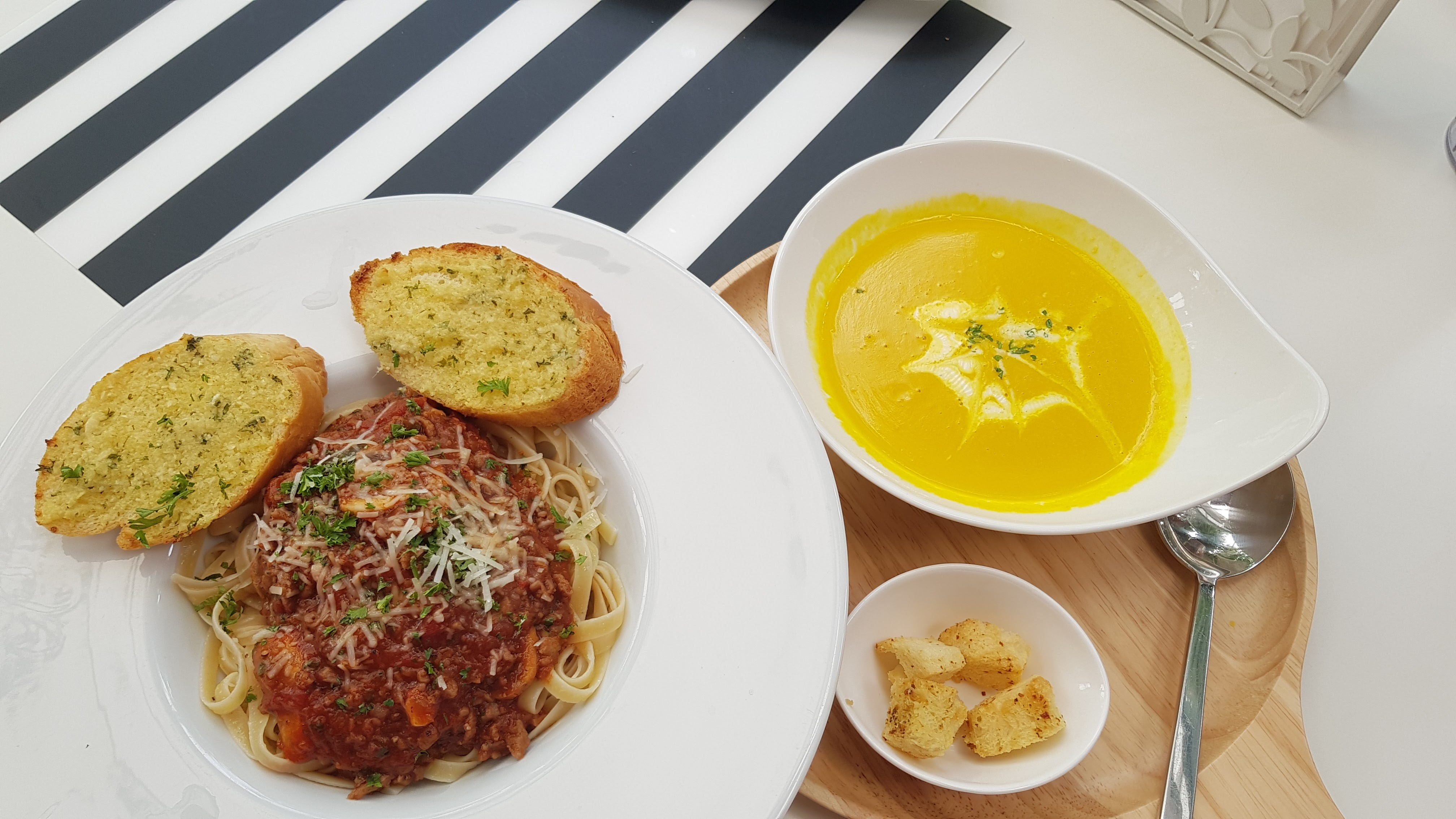 Spaghetti Bolognese and Pumpkin Soup