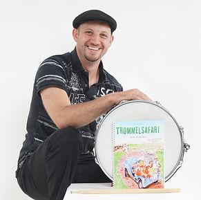 Hermann mit Trommelsafari.jpg