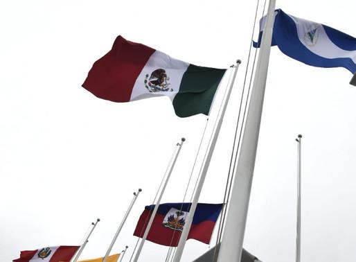 Izamiento de la Bandera de México en la Villa Parapanamericana