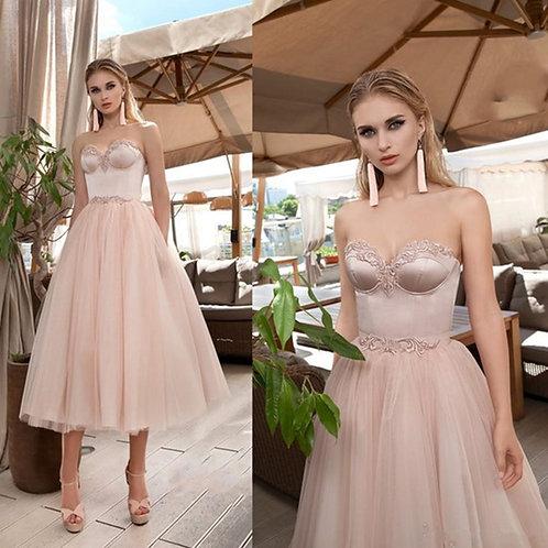 Prom Dresses  | Sweetheart Appliqued Tulle | Tea-Length Formal Prom Dress