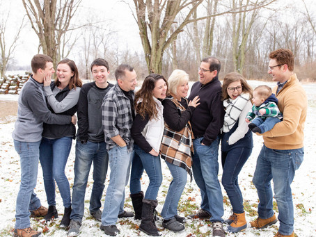 South Haven Snow-Covered Family Photo Shoot