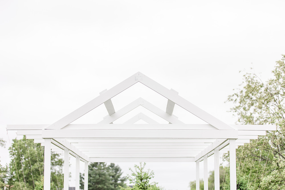 Josh and Andrea wedding photography husband and wife photographer team michigan pictures hydrangea blu barn ceremony bride and groom