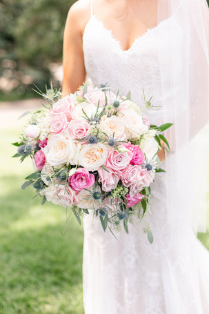 bride and bouquet Kent Country Club Wedding Grand Rapids