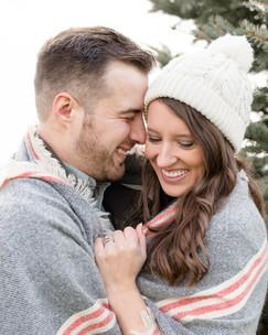 cute couple winter photo shoot blanket