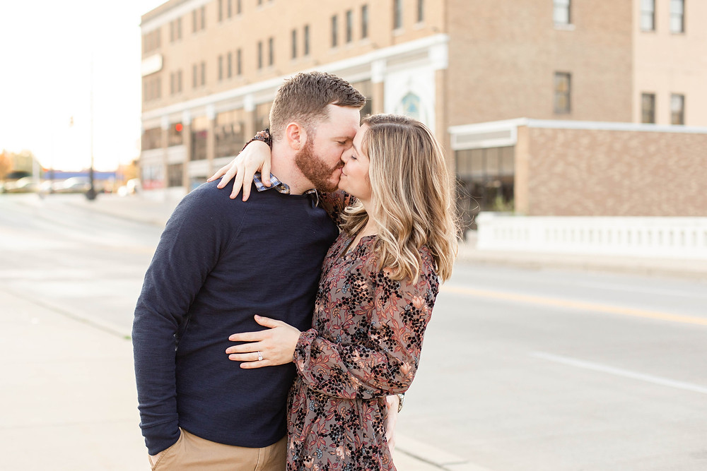 Josh and Andrea photography engagement photos south bend Indiana cute couple kissing