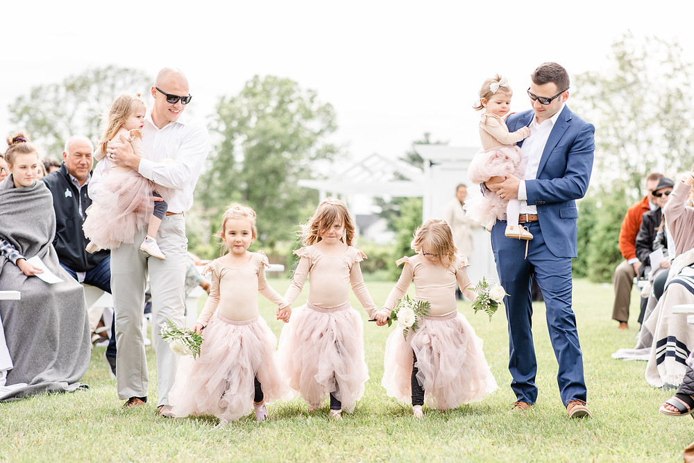 Josh and Andrea wedding photography husband and wife photographer team michigan pictures hydrangea blu barn flower girls