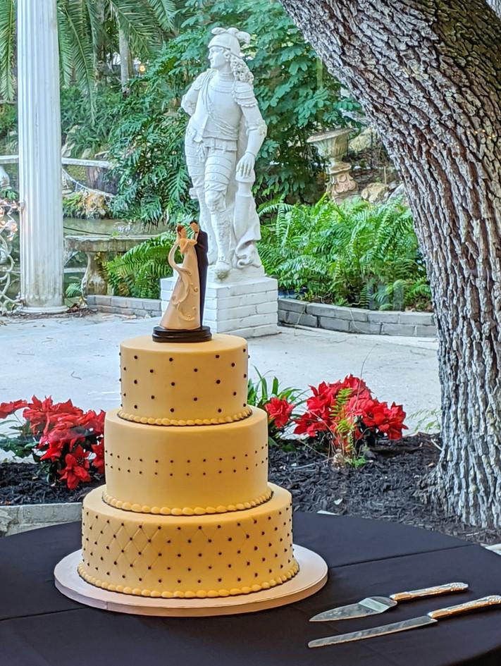 Wedding%20Cake_edited.jpg