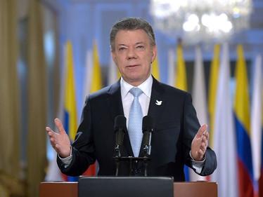 Santos pide asumir responsabilidad por recibir recursos