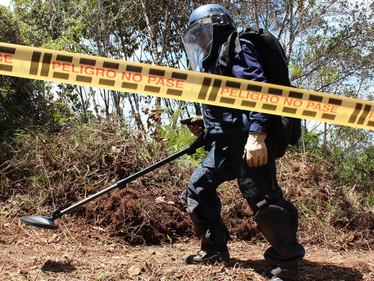 166 municipios libres de minas antipersonal