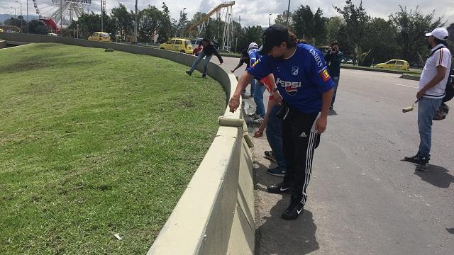 Barristas contribuyen con el embellecimiento de la ciudad. /Prensa Alcaldía.