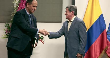Jefes negocaidores: Juan Camilo Restrepo, del Gobierno; y Pablo Beltrán, del ELN. / Foto: Equipo Negociador del Gobierno.