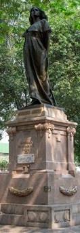 Ubicado en el barrio El Llano, en Cúcuta, se encuentra el monumento a Mercedes Ábrego, realizado por el escultor italiano Víctor Bisagne. Fue inaugurado el 13 de octubre de 1913.