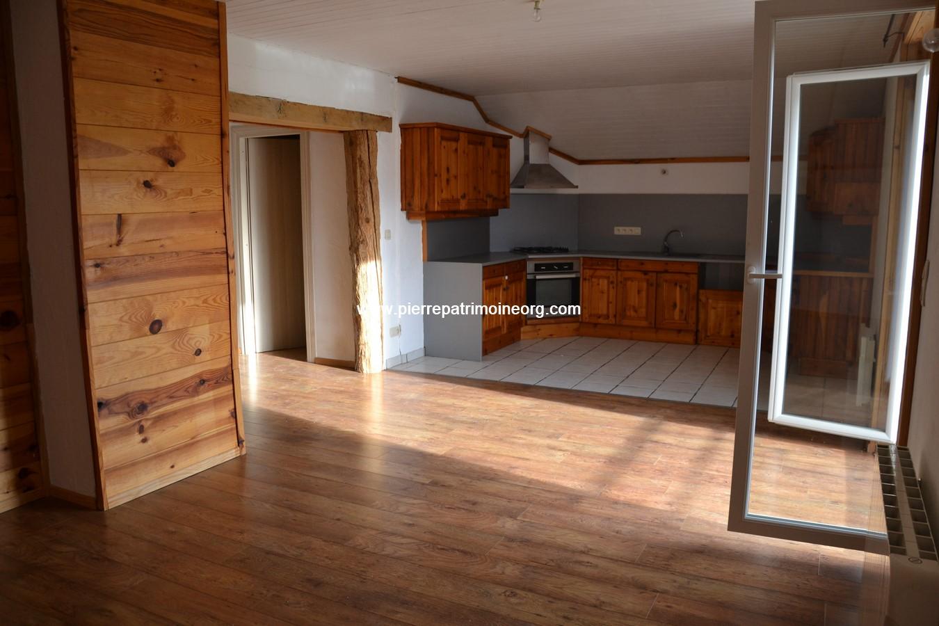 Appartement type 3, cosy, Féternes