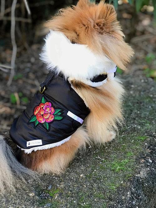 """Manteau / Harnais/ Doudoune Noir pour chien """"Romantique"""""""