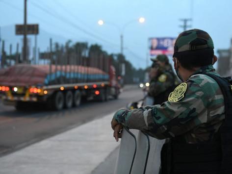 CARRETERA CENTRAL: PNP Y EJERCITO DESBLOQUEAN VÍAS BLOQUEADAS POR PARO DE TRANSPORTISTAS