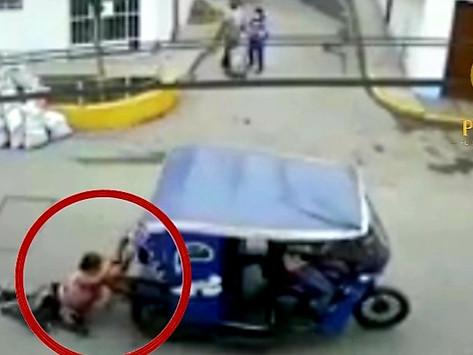 [VIDEO] MUJER SE AFERRA A MOTO DE LADRONES TRAS SUFRIR ROBO DE DINERO EN EL AGUSTINO
