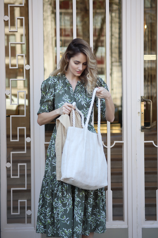 beach-bag-worn-for-city-outfit.jpg
