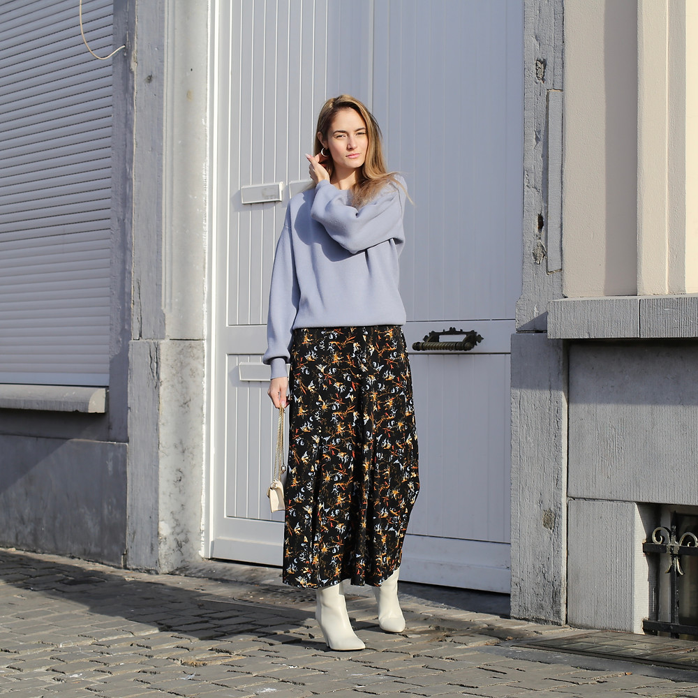 outfit-with-skirt-and-sweater.jpg