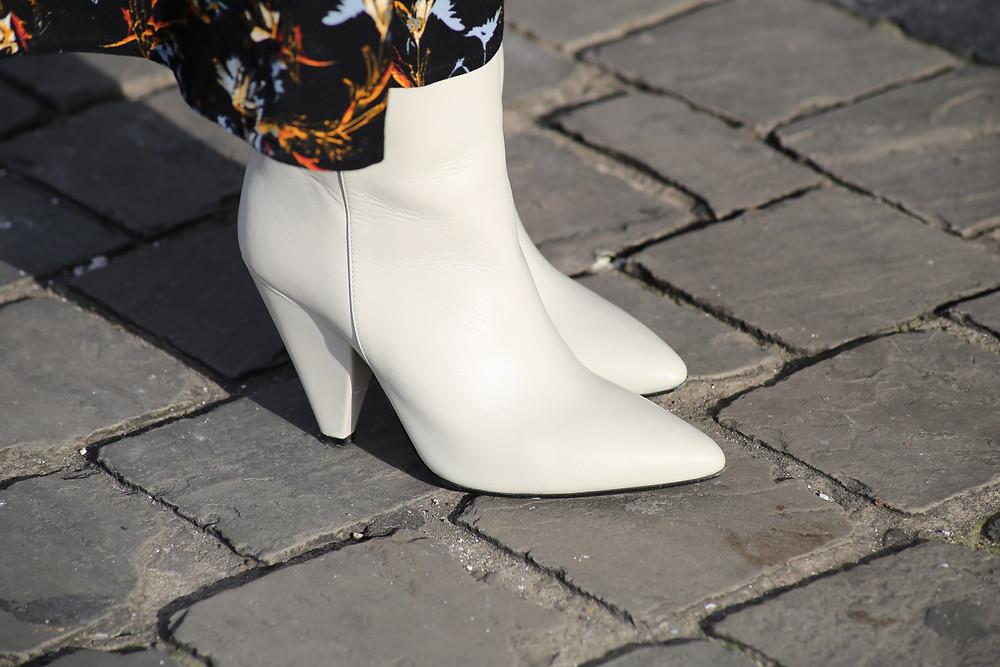 essentiel-antwerp-white-boots.jpg
