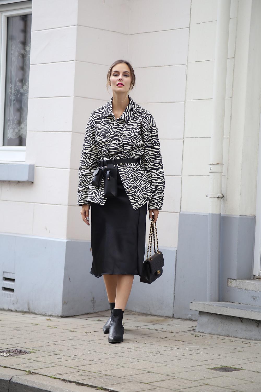 satin-skirt.jpg