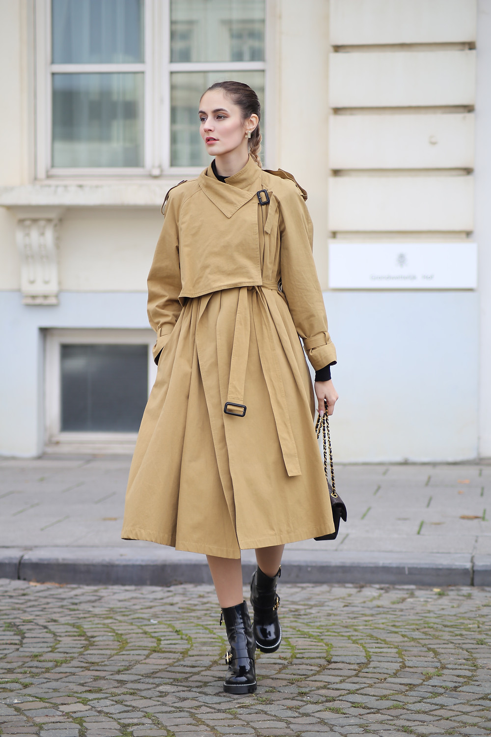 trendy-trench-for-fall.jpg