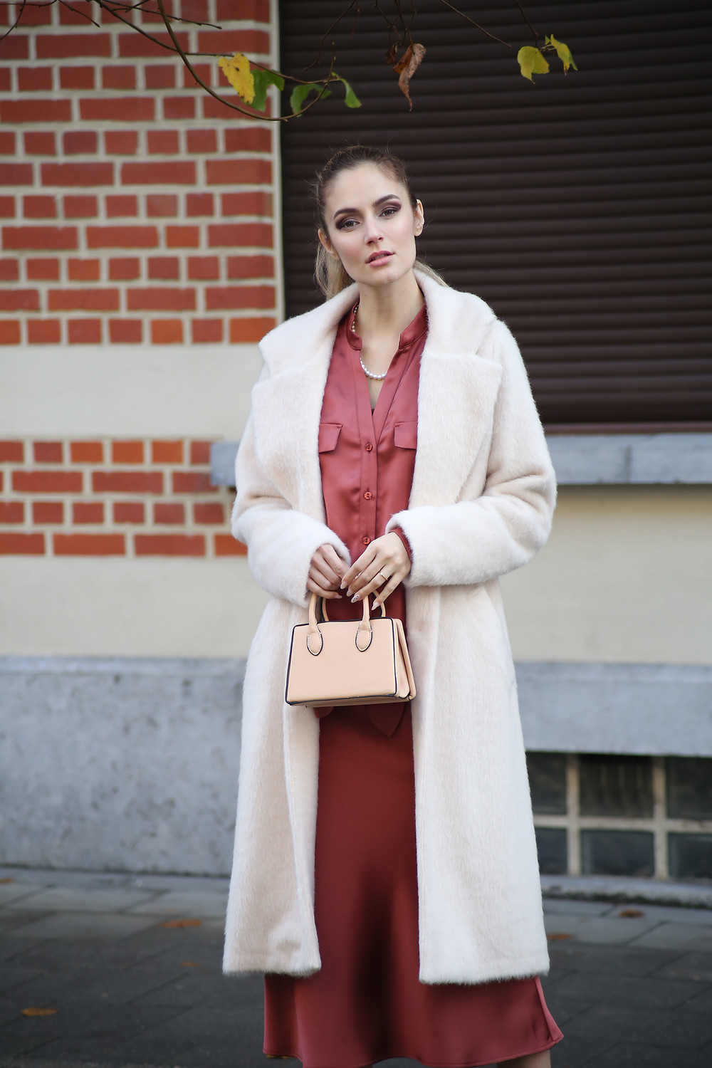 outfit-with-coat-in-trend.jpg