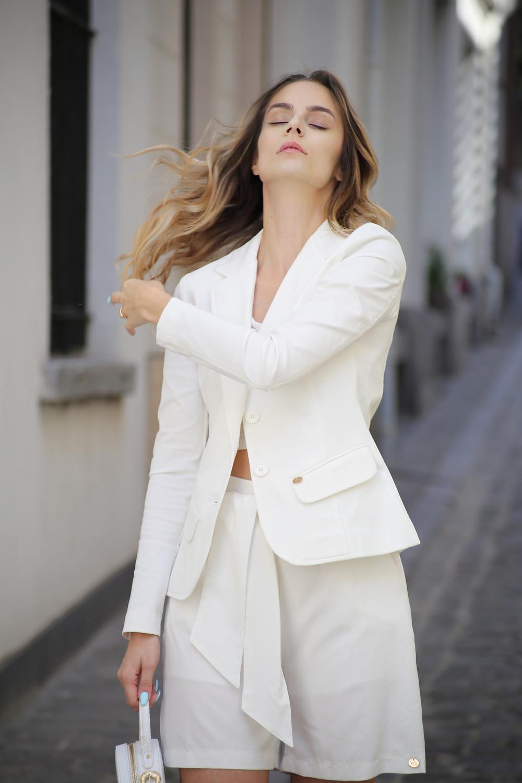 white-shorts.jpg