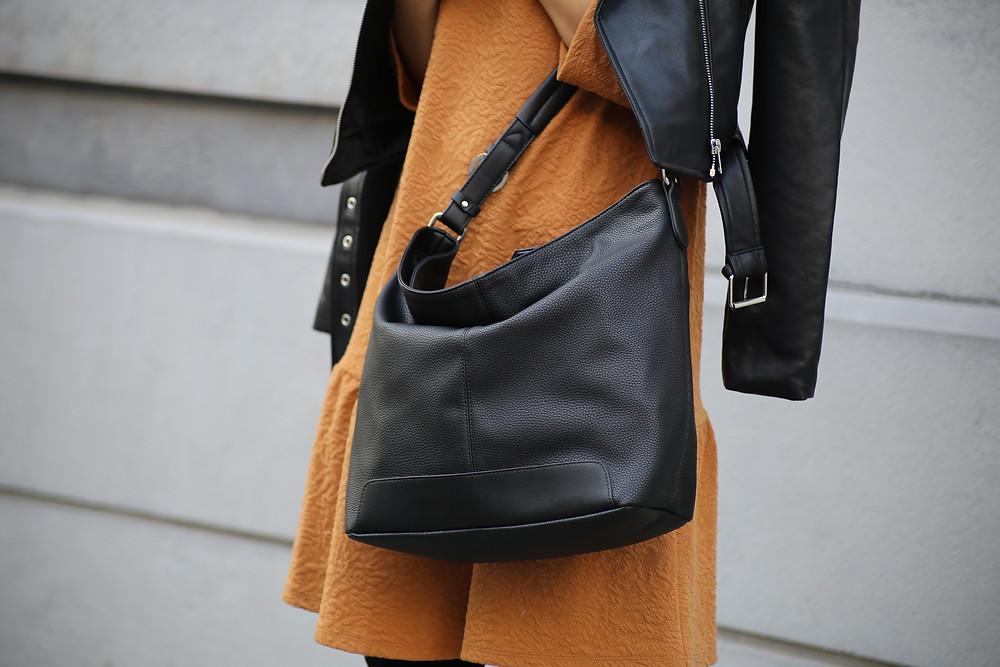 black-bag-how-to-wear.jpg