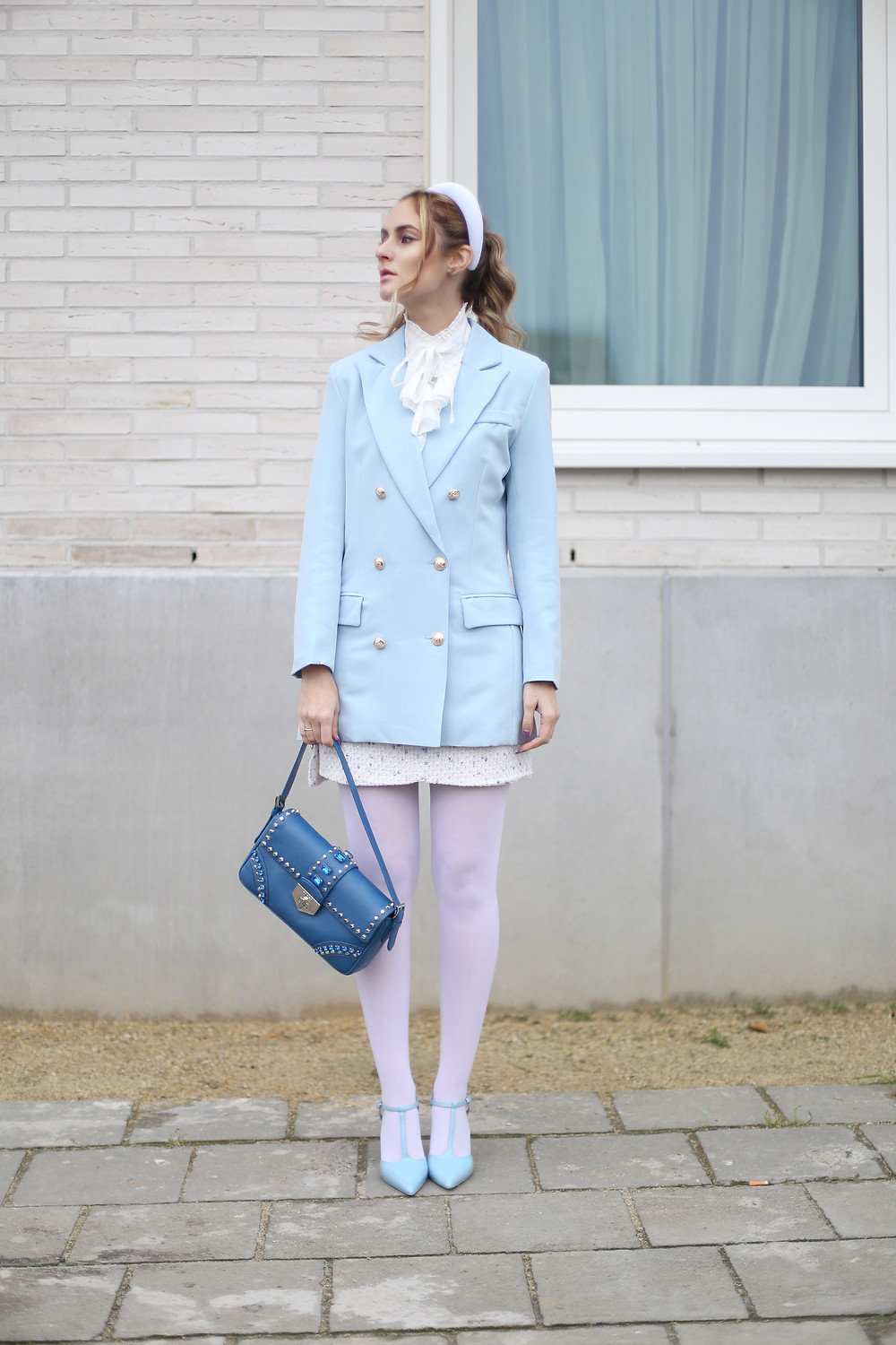 light-blue-and-white-outfit.jpg