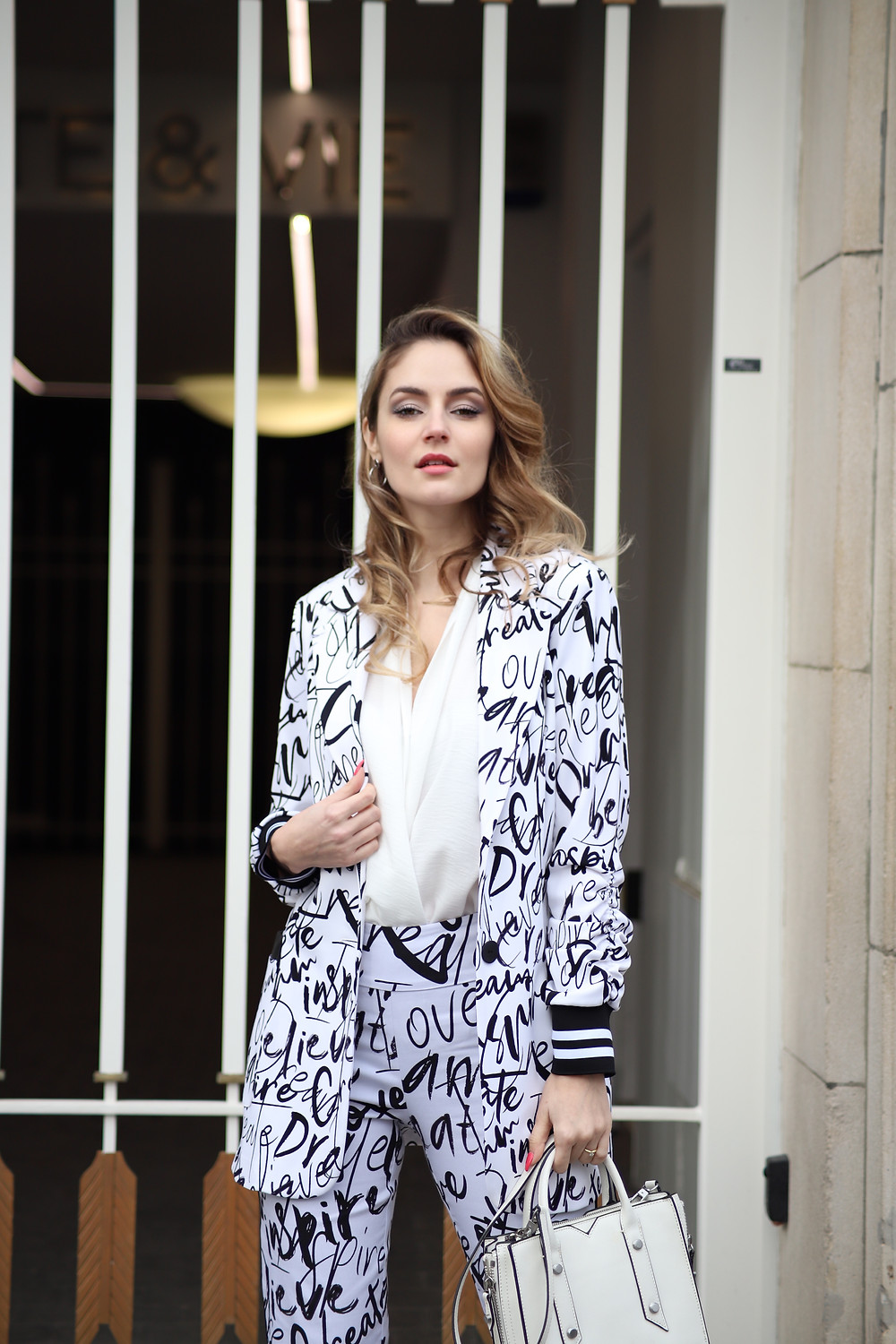 pattern-blazer-clack-and-white.jpg