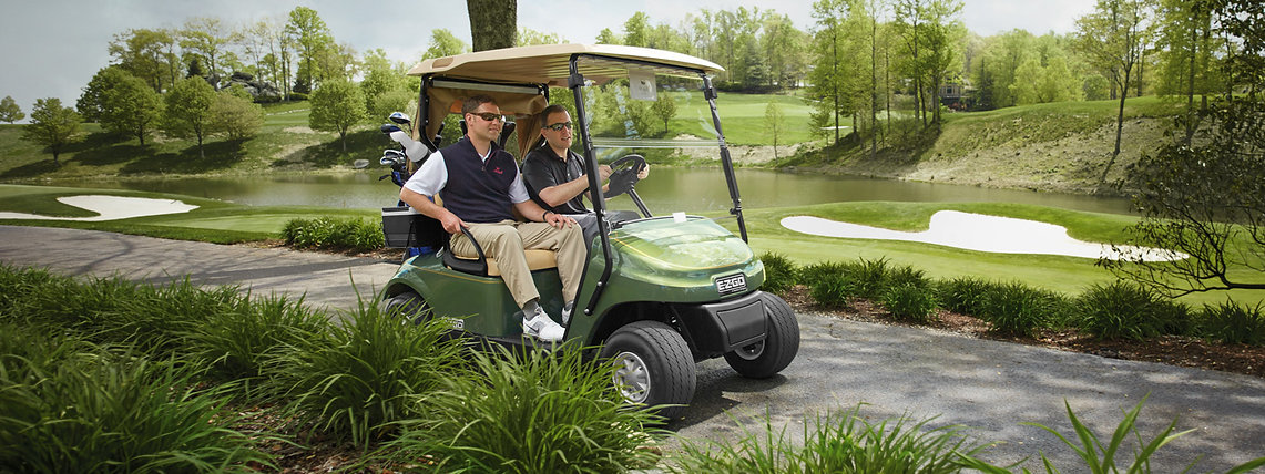 golf buggy electric on the course