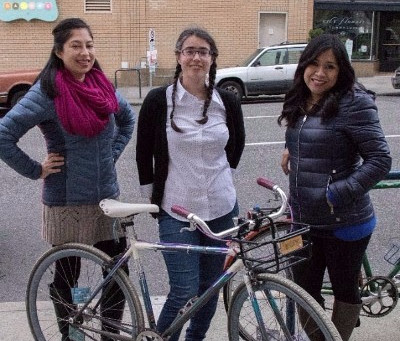 'Mujeres En Movimiento'… Biking With A Purpose.