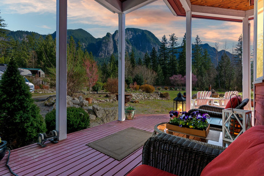 Mr. Pending Real Estate Photographer - Twilight Photography
