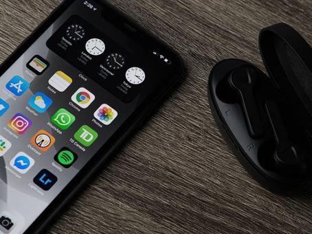 Our Top 5 Premium Wireless Headphones under £200: