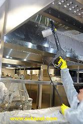 Специалисты компании СпецВодоКанал проводят работы по очистке вытяжных зонтов вентиляции кафе, ресторанов, столовых.