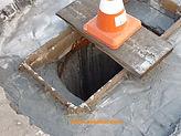 СпецВодоКанал предлагает услуги по ремонту водосточных колодцев, услуги по замене водосточных решеток.