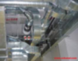Очистка и дезинфекция вентиляционной сети иногда предусматривает частичную разборку воздуховодов, очистку всех агрегатов участвующих в воздухообмене от загрязнений, и последующую дезинфекцию вентиляции.