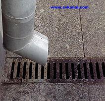Компания СпецВодоКанал предлагает услуги по промывке ливневой канализации, очистке мусорозадерживающих решеток.