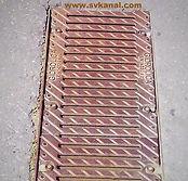Содержание в исправном состоянии водосточной сети включает: прочистку трубопровода ливневой сети, очистку мусорозадерживающих решеток
