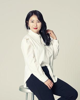 200302_유주_chair.jpg