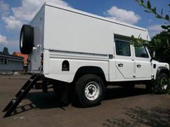 Vollintegriertes Minicamp Land Rover Defender 130 CC