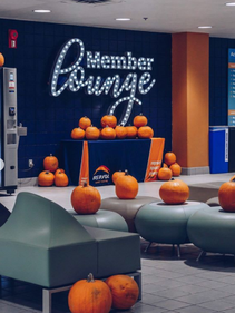 MEMBER LOUNGE PAINT AND SIGN