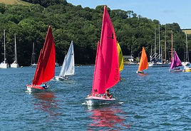 Hansa Dinghies sailing on the river dart