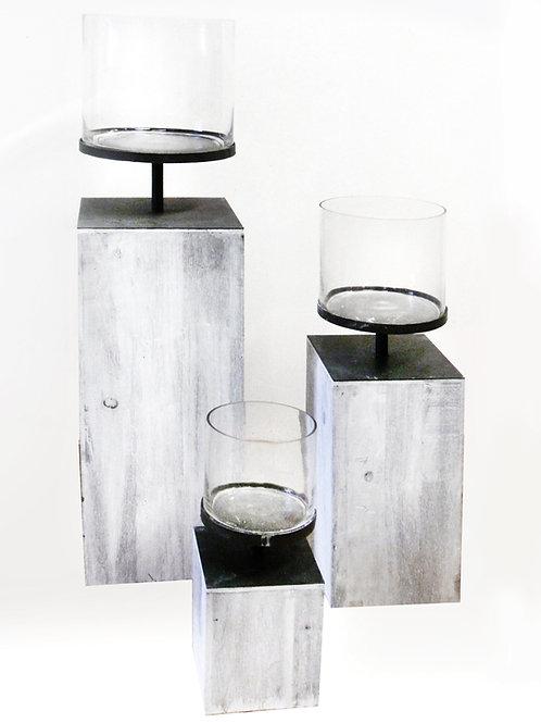 Kerzenständer mit Holz, weiß gekreidet