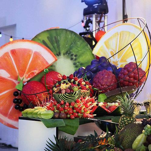 Fruchtbuffet mit großen Früchten