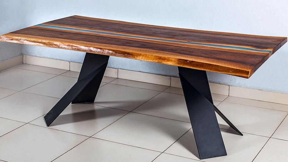 Table Walnut