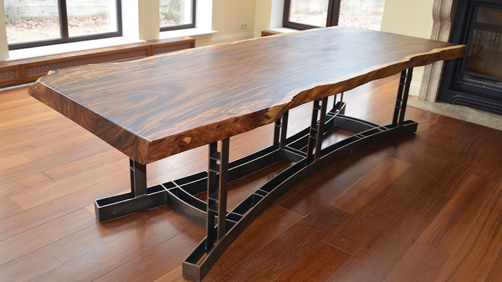 Dining table Suar