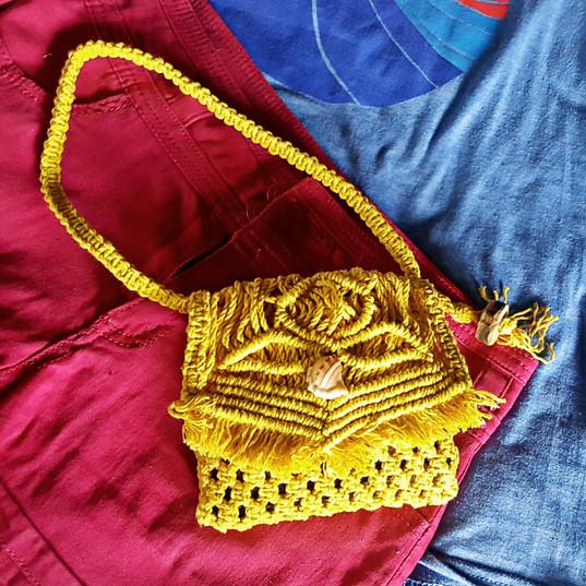 The Way Crafts - Macramé Phone Bag